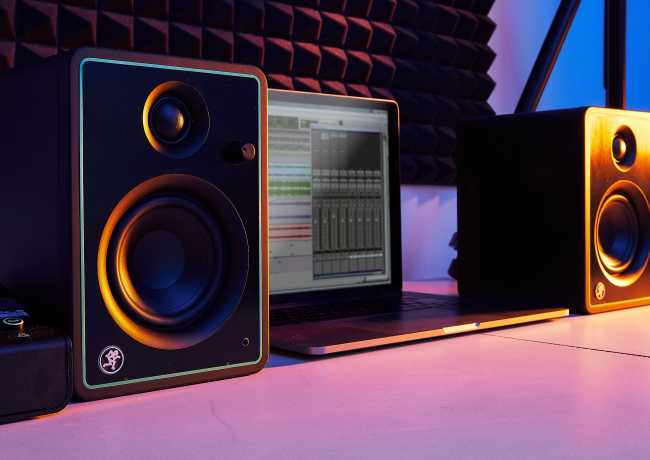 "usage example - Mackie CR4-X Pair 4"" Active Studio Monitor Speakers"